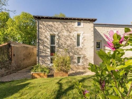 House Le passé simple : Guest accommodation near Sainte-Luce-sur-Loire