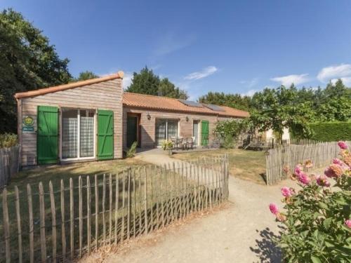 House Vert : Guest accommodation near Chauvé
