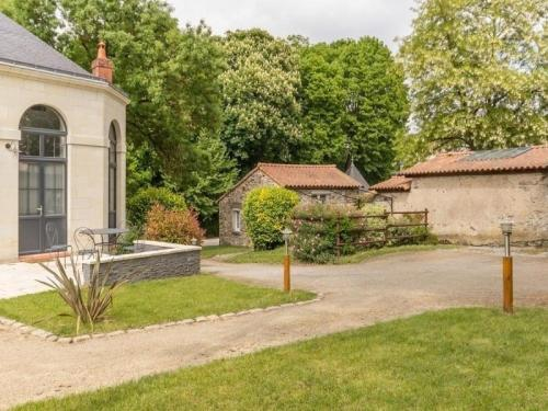 House L'intemporel : Guest accommodation near Saint-Sébastien-sur-Loire