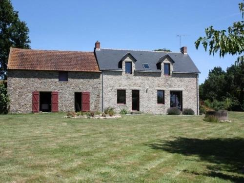 House Missillac - 5 pers, 107 m2, 4/3 : Guest accommodation near Rieux