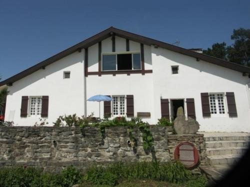 House Adour : Guest accommodation near Saint-Martin-de-Hinx