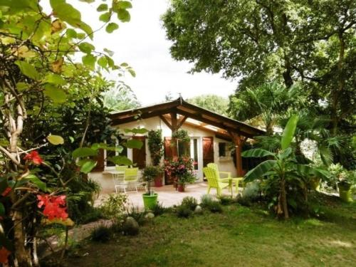 House Les sources : Guest accommodation near Laluque