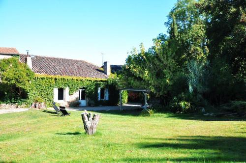 Gite le Convivial : Guest accommodation near Saint-Laurent-du-Bois