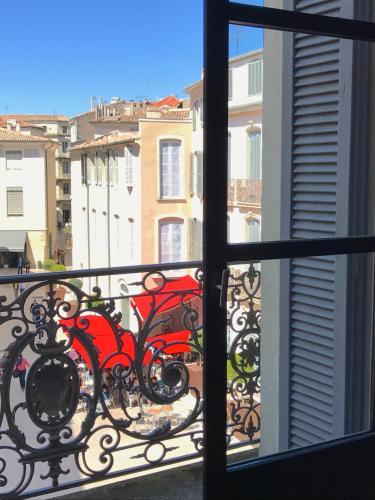 LES CLÉS DU 2 : Apartment near Nîmes