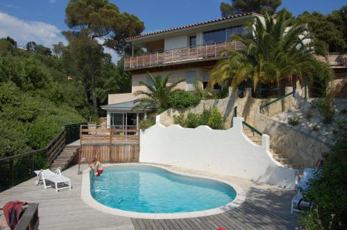 Villa Chemin des Bonnettes : Guest accommodation near Le Pradet