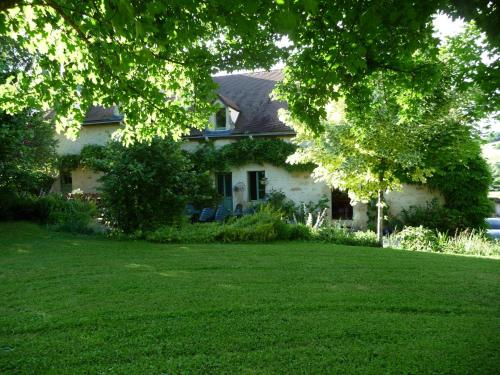 Le Pré Vert : Bed and Breakfast near Saint-Jean-de-Bœuf