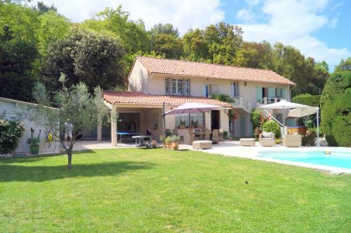 Luckey Homes - Route d'Antibes : Guest accommodation near Biot