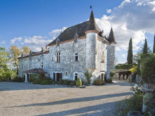 Chateau Martinus : Guest accommodation near Saint-Caprais-de-Lerm