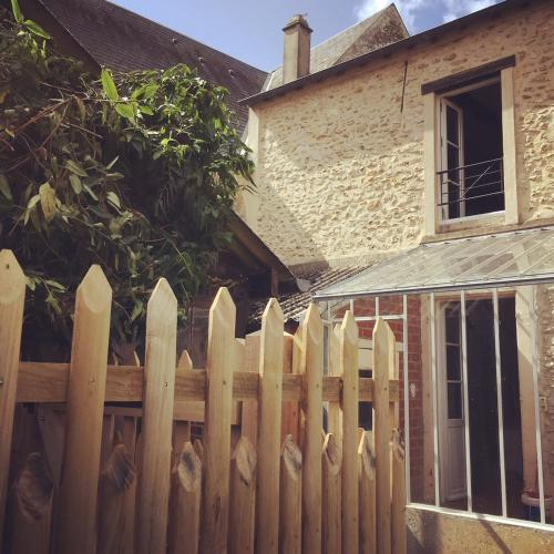 Maison Paulette : Guest accommodation near Saint-Escobille