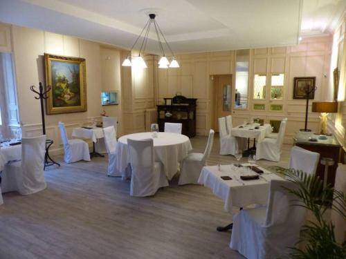 Le Lion d'Or : Hotel near Varennes-sur-Fouzon