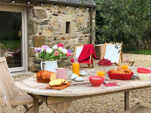 Manoir des petites bretonnes : Guest accommodation near Louannec