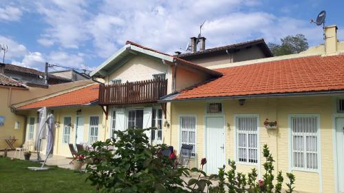 Huis La Bastide sur l'Hers : Guest accommodation near Saint-Jean-d'Aigues-Vives