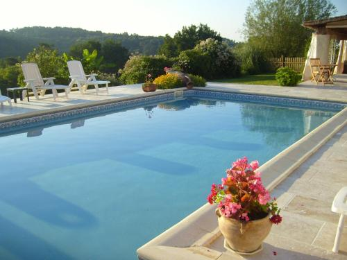 Holiday home La Coulenie : Guest accommodation near Brouchaud