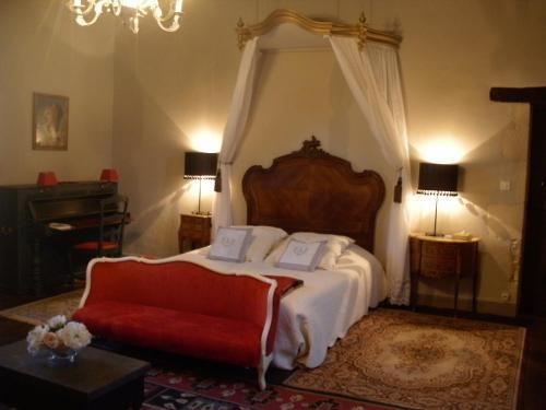 La Bastide de Courcelles : Bed and Breakfast near Saint-Laurent-de-Jourdes
