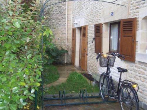 Le Relais de Poste : Guest accommodation near Graye-sur-Mer
