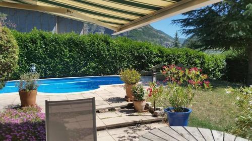Au Paradis des Grillons : Apartment near Saint-Étienne-le-Laus