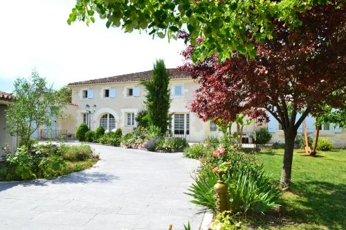 Le Fief des Chevaliers : Bed and Breakfast near Jarnac-Champagne