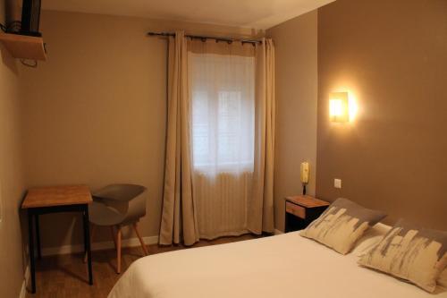 Les Glycines : Hotel near Saint-Bonnet-du-Gard