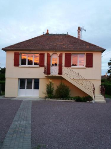 Sarl B&B Utah Beach : Bed and Breakfast near Saint-Martin-de-Varreville