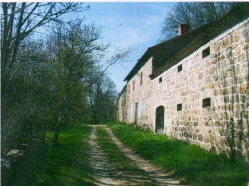 Ferme de La Belette Joyeuse : Guest accommodation near Rocles
