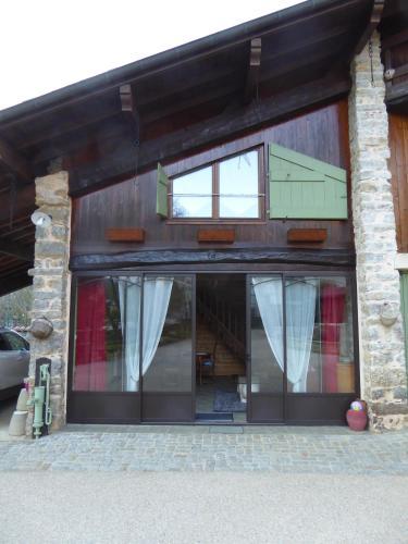 Gîte à la campagne : Apartment near Ambérieu-en-Bugey