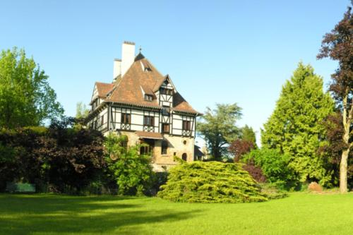 Le Manoir de La Gravière : Guest accommodation near Olizy-sur-Chiers