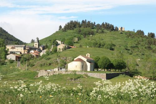 les joyeux boutons d'or : Bed and Breakfast near Montaillou