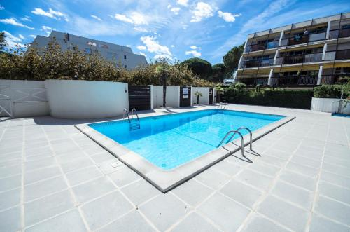 Le Ponant, Wifi, Piscine, Parking : Apartment near Candillargues