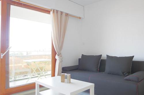 Appartement moderne avec piscine et parking : Apartment near Canet-en-Roussillon