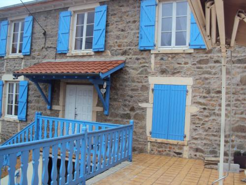Maison privée : Guest accommodation near Saint-Nizier-d'Azergues