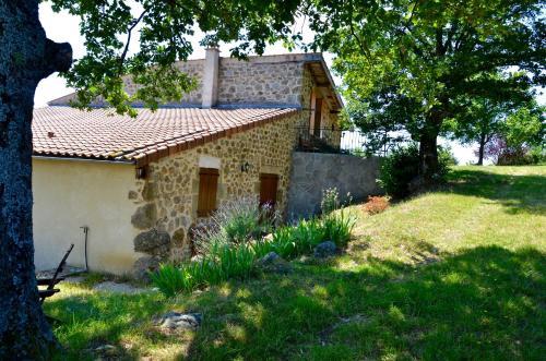 Gites Le Chêne & Le Tilleul : Guest accommodation near Châteaubourg
