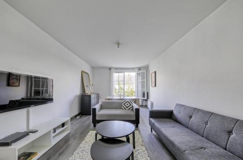 Magny Square (Sleepngo) : Apartment near Chalifert