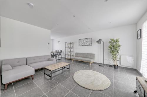 Villa des Parcs : Guest accommodation near Courquetaine