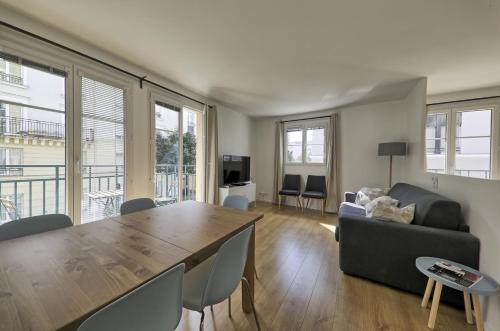 Carre Galmy 2 : Apartment near Chessy