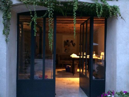 Le Loft des Artistes : Guest accommodation near Bellegarde