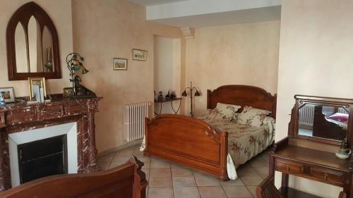 La Maison de Josepha : Bed and Breakfast near Cruscades