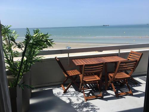 Queen Marina Face Mer : Apartment near Le Portel