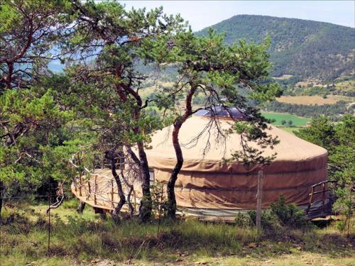 Source d'Eveil - Yourte et Kota : Guest accommodation near Saint-Genis