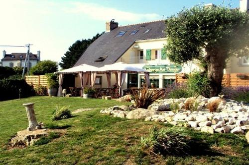Auberge An Douar : Bed and Breakfast near Guidel