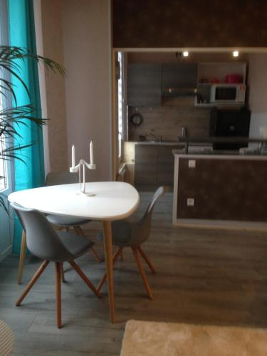 Résidence Albert 1er : Apartment near Saint-Prix