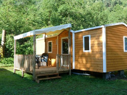 Camping Chantecler : Guest accommodation near Saint-Mamet