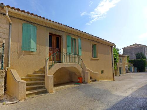 Holiday Home La Maison des Fleurs : Guest accommodation near Moux
