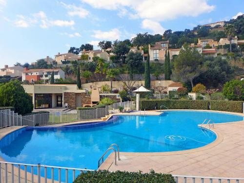 Holiday Home Le Belvédère : Guest accommodation near La Londe-les-Maures