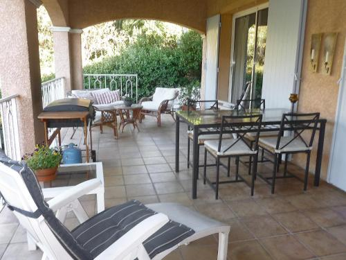 Holiday Home Les chênes : Guest accommodation near La Londe-les-Maures