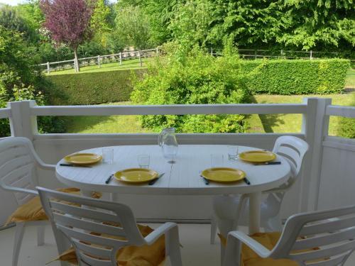 Apartment Les Jardins de la Côte Fleurie : Apartment near Auberville