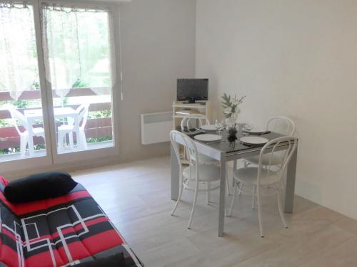 Apartment Le Sporting.7 : Apartment near Périers-en-Auge