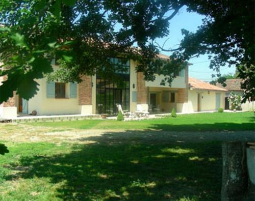 A la Reine : Bed and Breakfast near Campsas