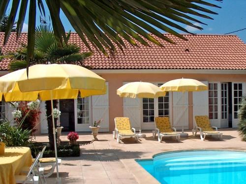 Villa Communal : Guest accommodation near Saint-Vincent-de-Paul