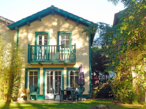 Holiday Home Domaine Golf Resort : Guest accommodation near Saumos