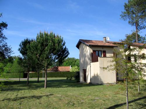 Holiday Home Maison Dino 1 : Guest accommodation near Morcenx